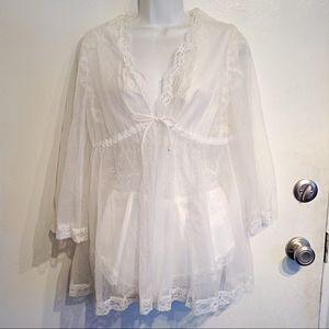 VTG White Lace Bridal Lingerie Romper & Robe Set